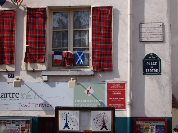 The Scottish flag hanging in Paris! Viva la Scotland!